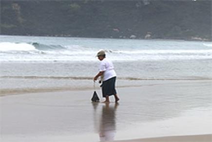 foto-pegando-minhoca Captura da minhoca de praia